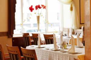 Restaurant Tablecloths and napkin service