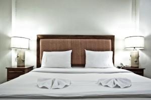 Hotel motel lodging facility linen service